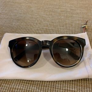 LIKE NEW TORY BURCH SUNGLASSES